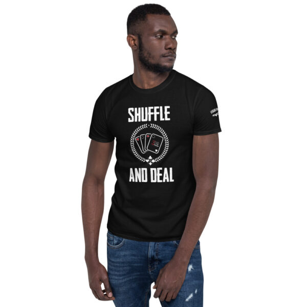 Private: Pikes Peak Poker – Shuffle & Deal – Men's T-shirt